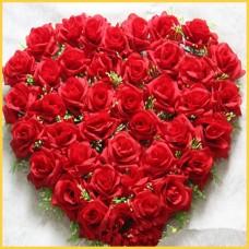 Сердце из роз.